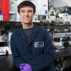 Student seeks new understanding of brain