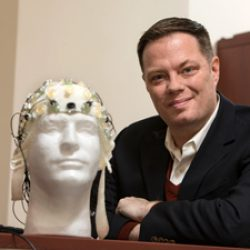 Researcher explores physiological links to schizophrenia
